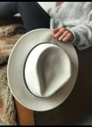 Classic white hat