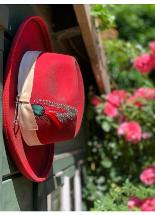 Country Feather - Red