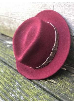 Classic bordeaux hat